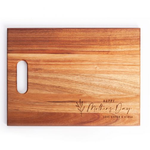 Wooden cheese board with personalised mothers day engraving